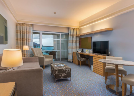 Hotelzimmer mit Mountainbike im Pestana Carlton Madeira