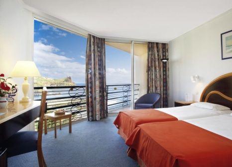 Hotelzimmer mit Minigolf im Four Views Oásis