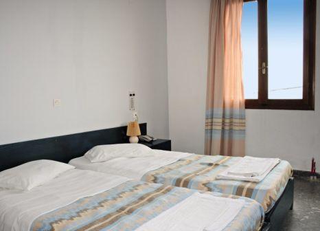 Hotelzimmer mit Kinderpool im Ekavi Hotel