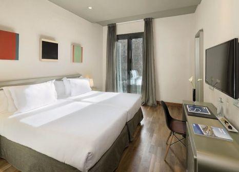Hotelzimmer mit Mountainbike im H10 Casanova