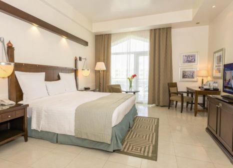 Hotelzimmer mit Tischtennis im Kairaba Mirbat Resort