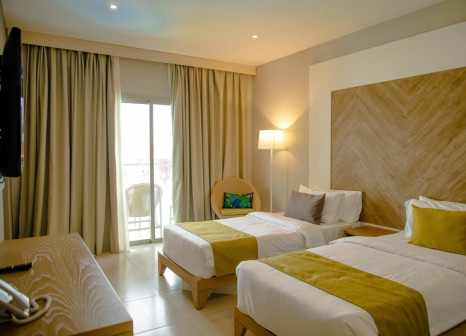 Hotelzimmer mit Tischtennis im African Princess Beach Hotel