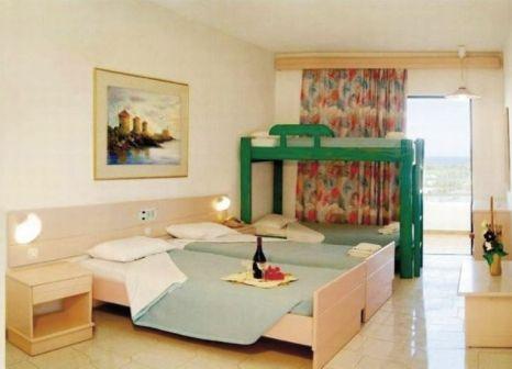 Hotelzimmer mit Tischtennis im Iris Hotel