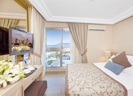 Hotelzimmer mit Tennis im Xperia Saray Beach Hotel