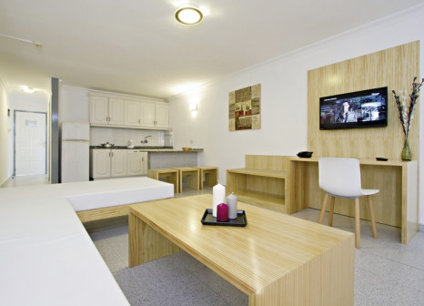 Hotelzimmer mit Golf im Ereza Apartamentos Los Hibiscos