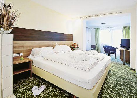 Hotelzimmer mit Tischtennis im Waldachtal Business & Balance