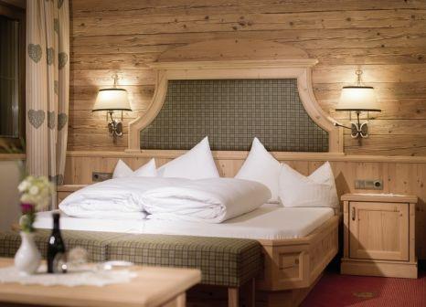 Hotelzimmer mit Ski im Fluchthorn