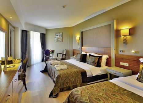 Hotelzimmer mit Mountainbike im Side Crown Palace