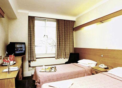 Hotelzimmer mit Hochstuhl im The Tavistock Hotel