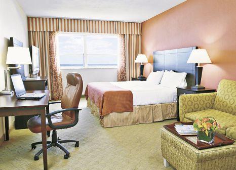 Hotelzimmer mit Mountainbike im Holiday Inn Miami Beach Oceanfront