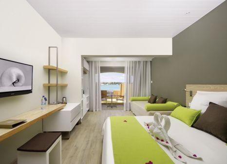 Hotelzimmer mit Volleyball im Mauricia Beachcomber Resort & Spa