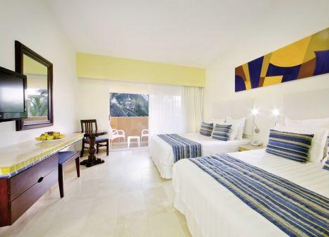 Hotelzimmer mit Volleyball im Viva Wyndham Azteca