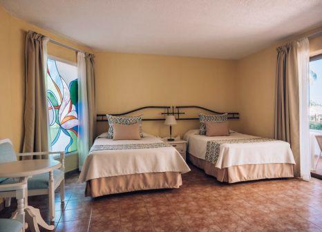Hotelzimmer mit Mountainbike im Iberostar Bella Costa