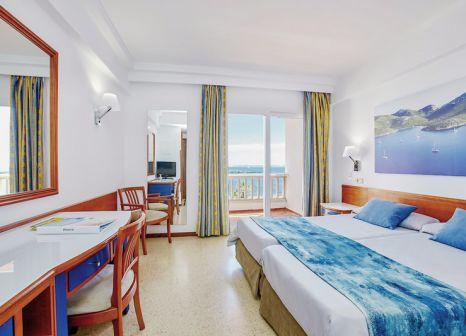 Hotelzimmer mit Volleyball im Universal Hotel Romantica
