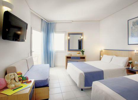 Hotelzimmer mit Minigolf im Louis Creta Princess Aquapark & Spa