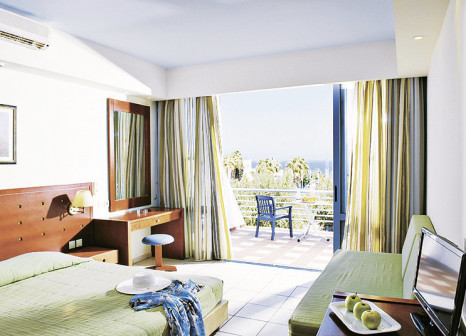 Hotelzimmer mit Mountainbike im Imperial Belvedere