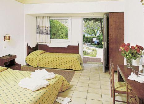 Hotelzimmer mit Yoga im Pallini Beach