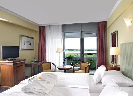 Hotelzimmer mit Volleyball im Cliff Hotel Rügen