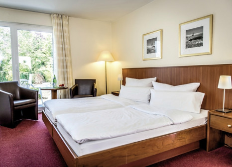 Hotelzimmer mit Massage im Hotel Hafen Büsum