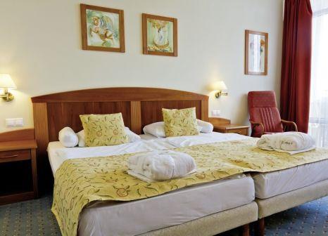 Hotelzimmer mit Yoga im Karos Spa