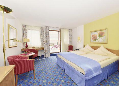 Hotelzimmer mit Volleyball im IFA Alpenrose Hotel