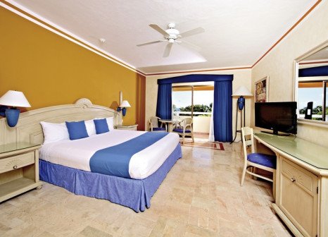 Hotelzimmer mit Mountainbike im Bahia Principe Grand Tulum