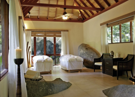 Hotelzimmer mit Volleyball im Hilton Seychelles Labriz Resort & Spa