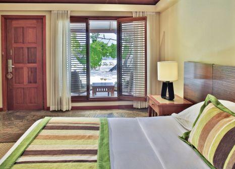 Hotelzimmer mit Volleyball im Kurumba Maldives