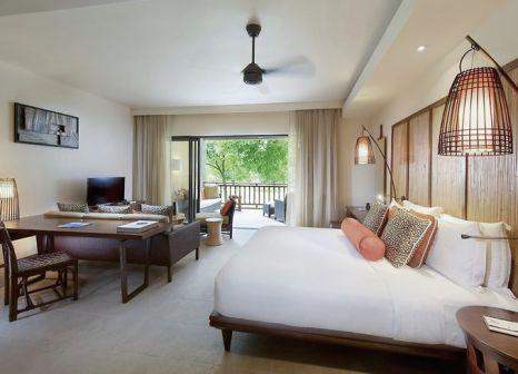 Hotelzimmer mit Volleyball im Constance Ephelia Resort