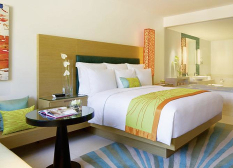 Hotelzimmer mit Volleyball im Renaissance Phuket Resort & Spa