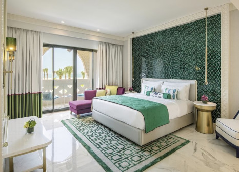 Hotelzimmer mit Volleyball im Rixos Premium Saadiyat Island