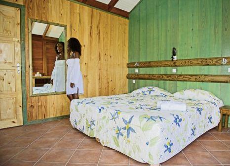 Hotelzimmer mit Paddeln im Bambou