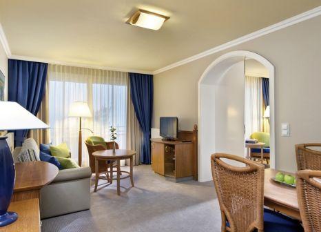 Hotelzimmer mit Volleyball im Travel Charme Strandhotel Bansin