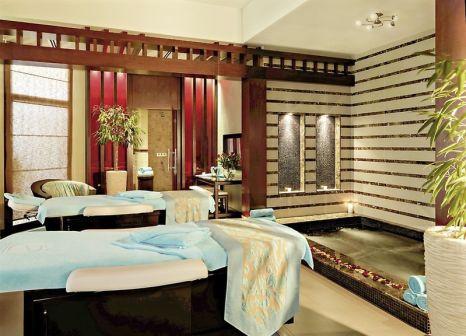 Hotelzimmer mit Mountainbike im Fujairah Rotana Resort & Spa
