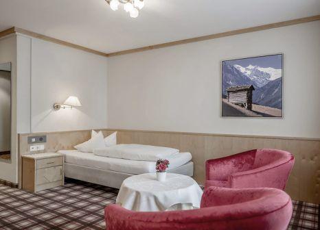 Hotelzimmer mit Tischtennis im Mildererhof