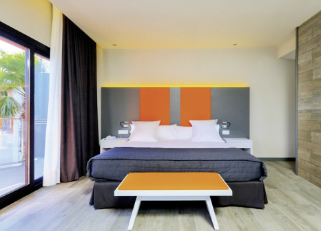 Hotelzimmer mit Mountainbike im Hotel Estival Centurión