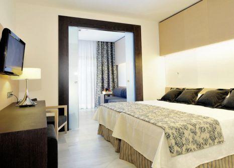 Hotelzimmer mit Mountainbike im Hipotels Gran Conil & Spa