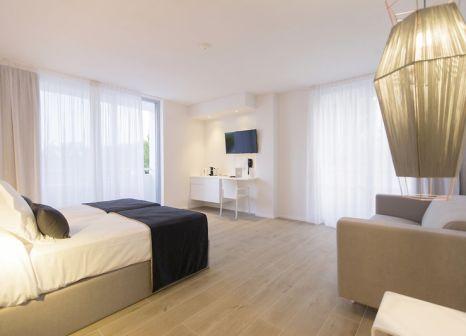 Hotelzimmer mit Mountainbike im Hotel Anfora Ibiza