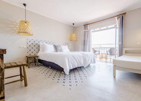Hotelzimmer mit Mountainbike im Marble Stella Maris Ibiza