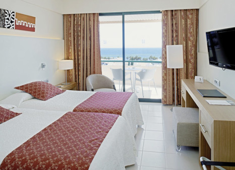 Hotelzimmer mit Mountainbike im Hipotels Marfil Playa