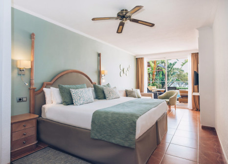 Hotelzimmer mit Yoga im Iberostar Suites Hotel Jardín del Sol