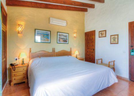 Hotelzimmer mit Tischtennis im Hotel Club Punta Prima