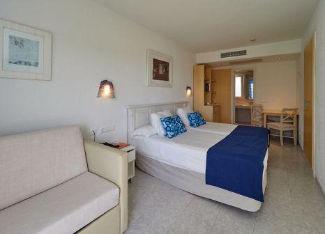 Hotelzimmer mit Volleyball im BQ Alcudia Sun Village