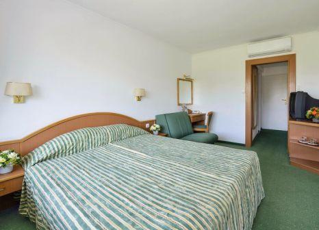 Hotelzimmer mit Tischtennis im Hotel Annabella