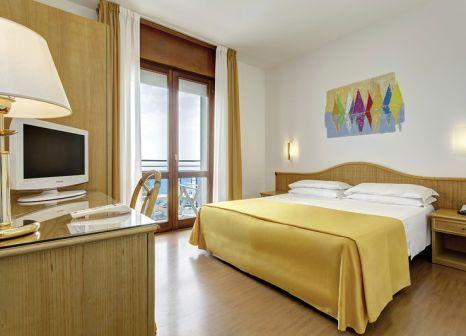 Hotelzimmer mit Sandstrand im Hotel Croce di Malta