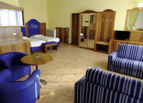 Hotelzimmer mit Tischtennis im Hotel Internazionale
