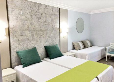 Hotelzimmer mit Mountainbike im Adriana Beach Club