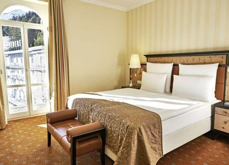 Hotelzimmer mit Volleyball im Steigenberger Grandhotel Belvédère