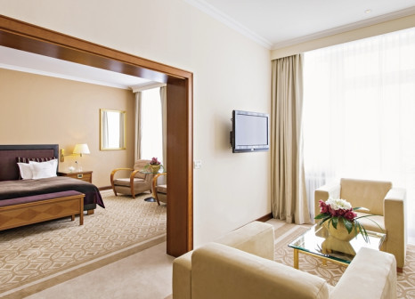 Hotelzimmer mit Mountainbike im Grand Hotel des Bains Kempinski St.Moritz