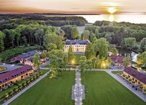 Hotel Weissenhaus Grand Village Resort & Spa am Meer günstig bei weg.de buchen - Bild von DERTOUR